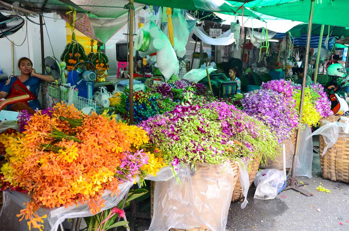 Bangkok Flower Market outside