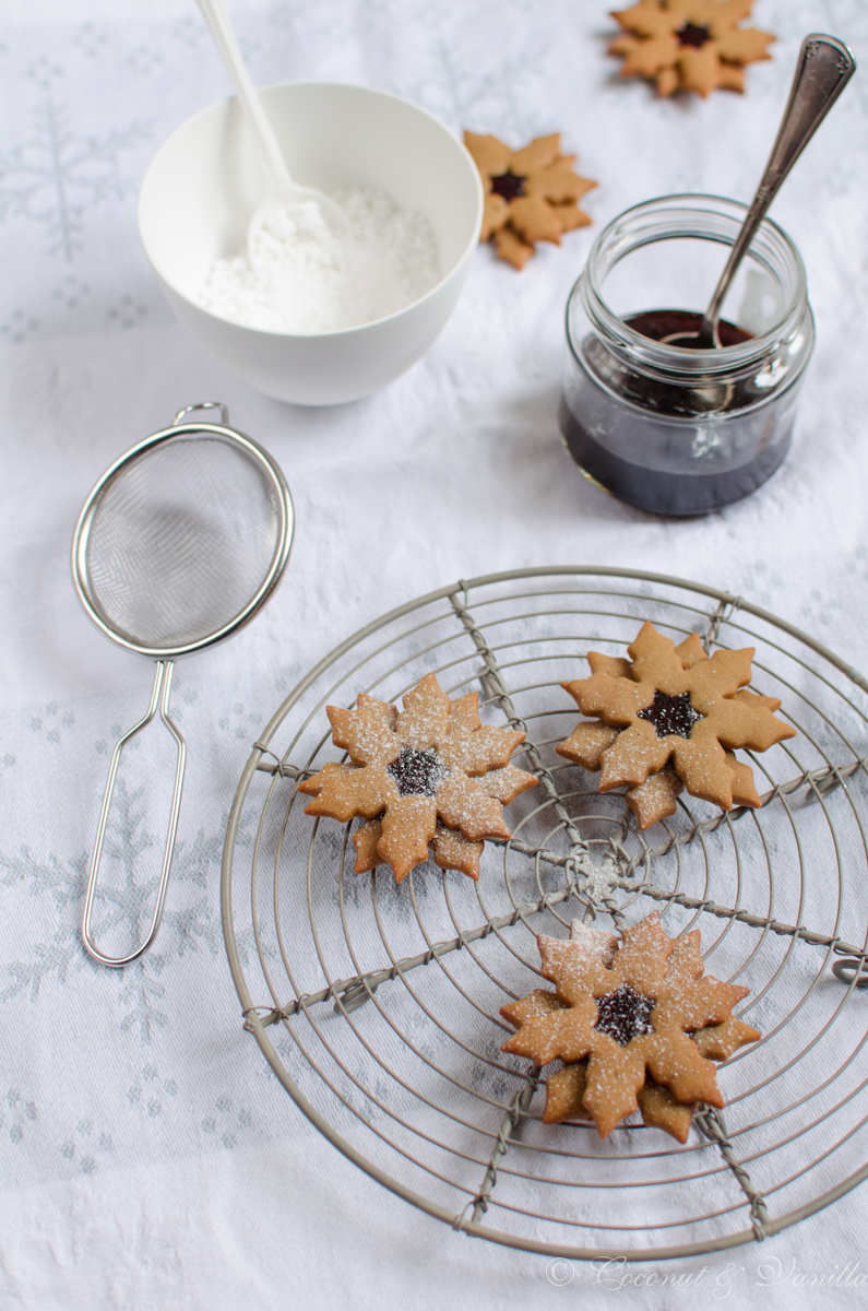 Pfefferkuchen mit Johannisbeergelee