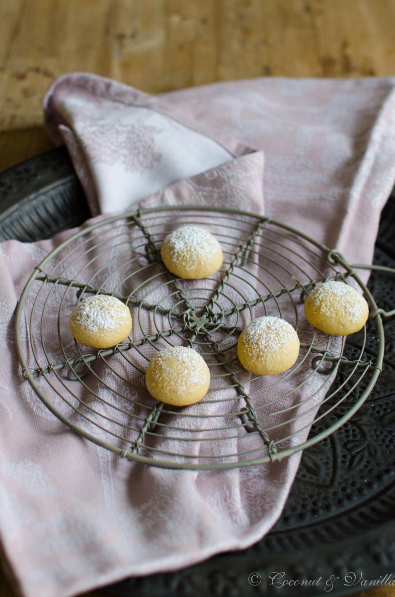 Weihnachtsplätzchen: Cashew Bällchen - Christmas cookies: cashew balls by Coconut & Vanilla