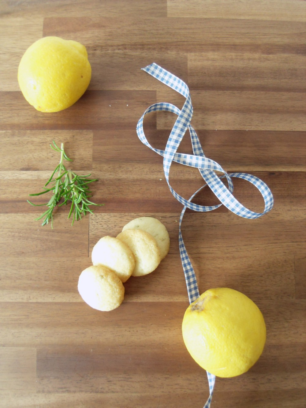 Lemon-Rosemary-Cookies