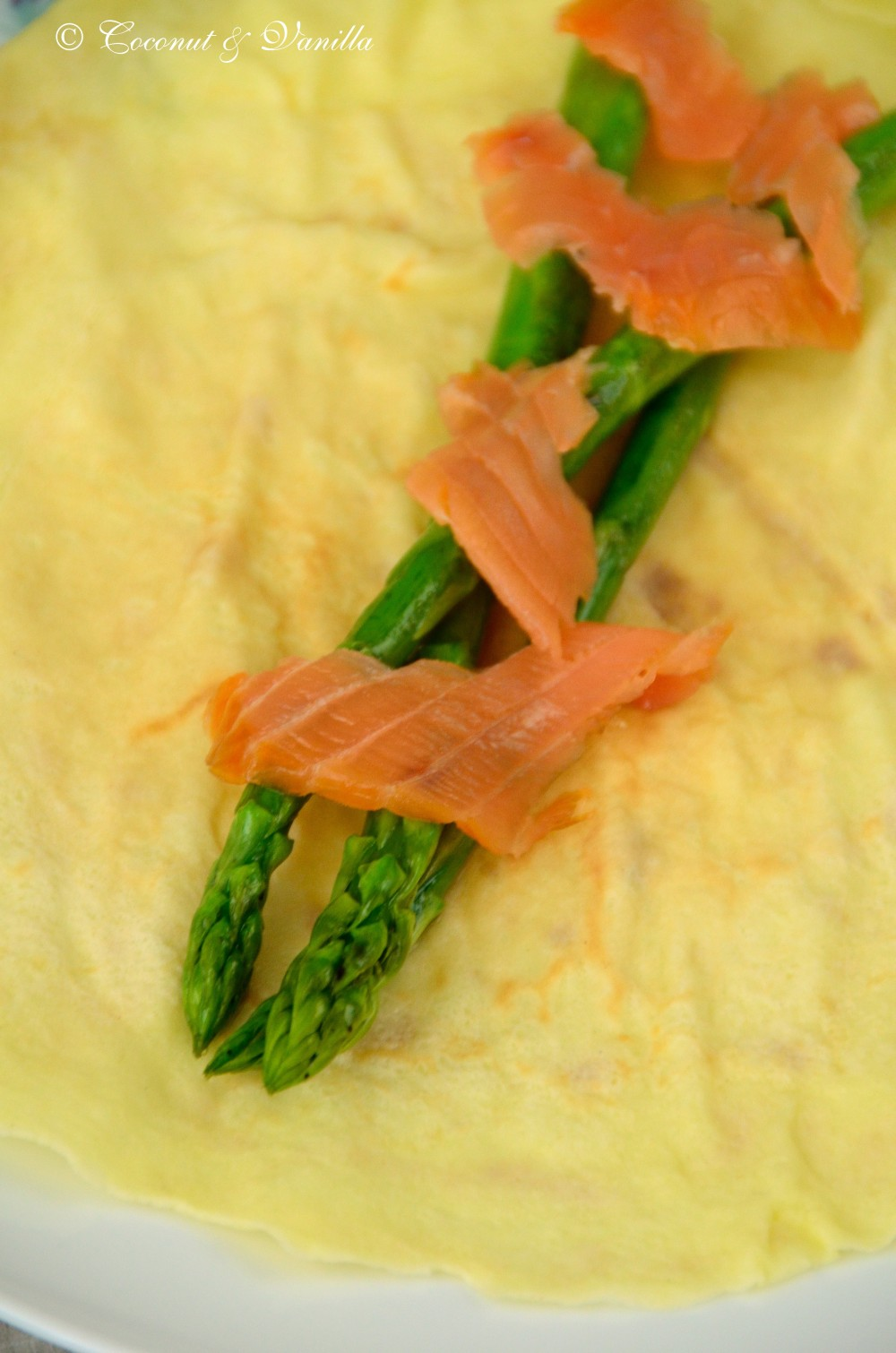 Crêpes with marinated green asparagus and smoked salmon