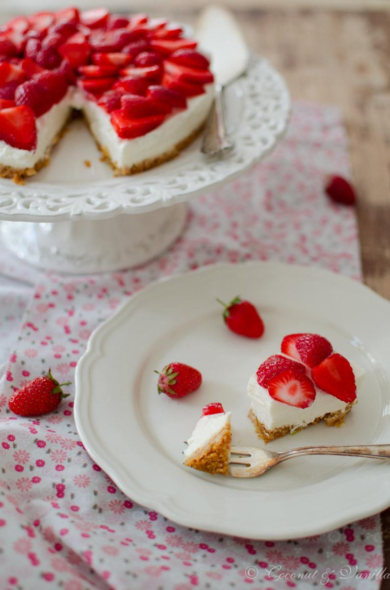 Erfrischender Erdbeer-Holunderblüten-Cheesecake