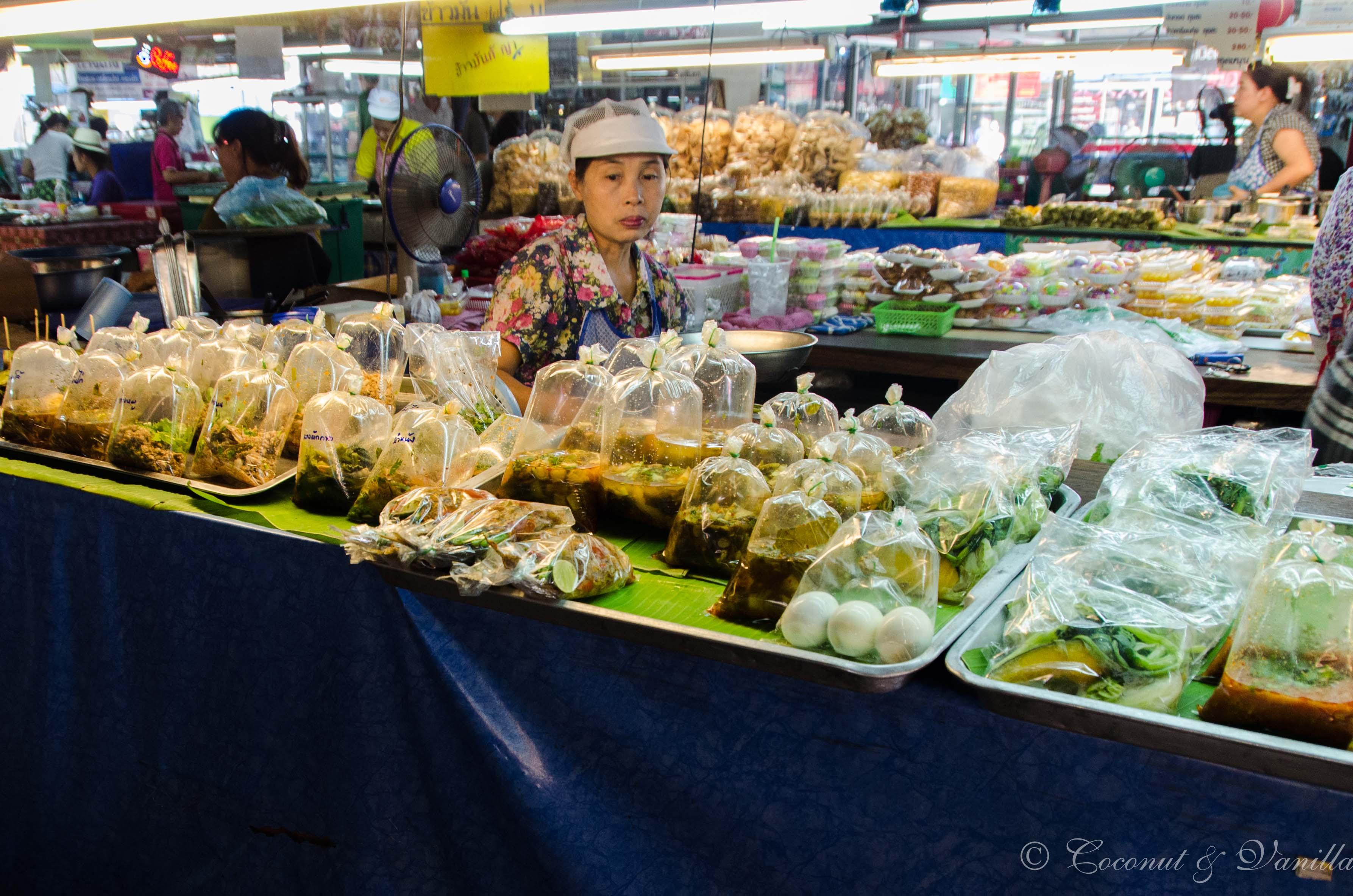 Markt in Chiang Mai Thailand by Coconut & Vanilla