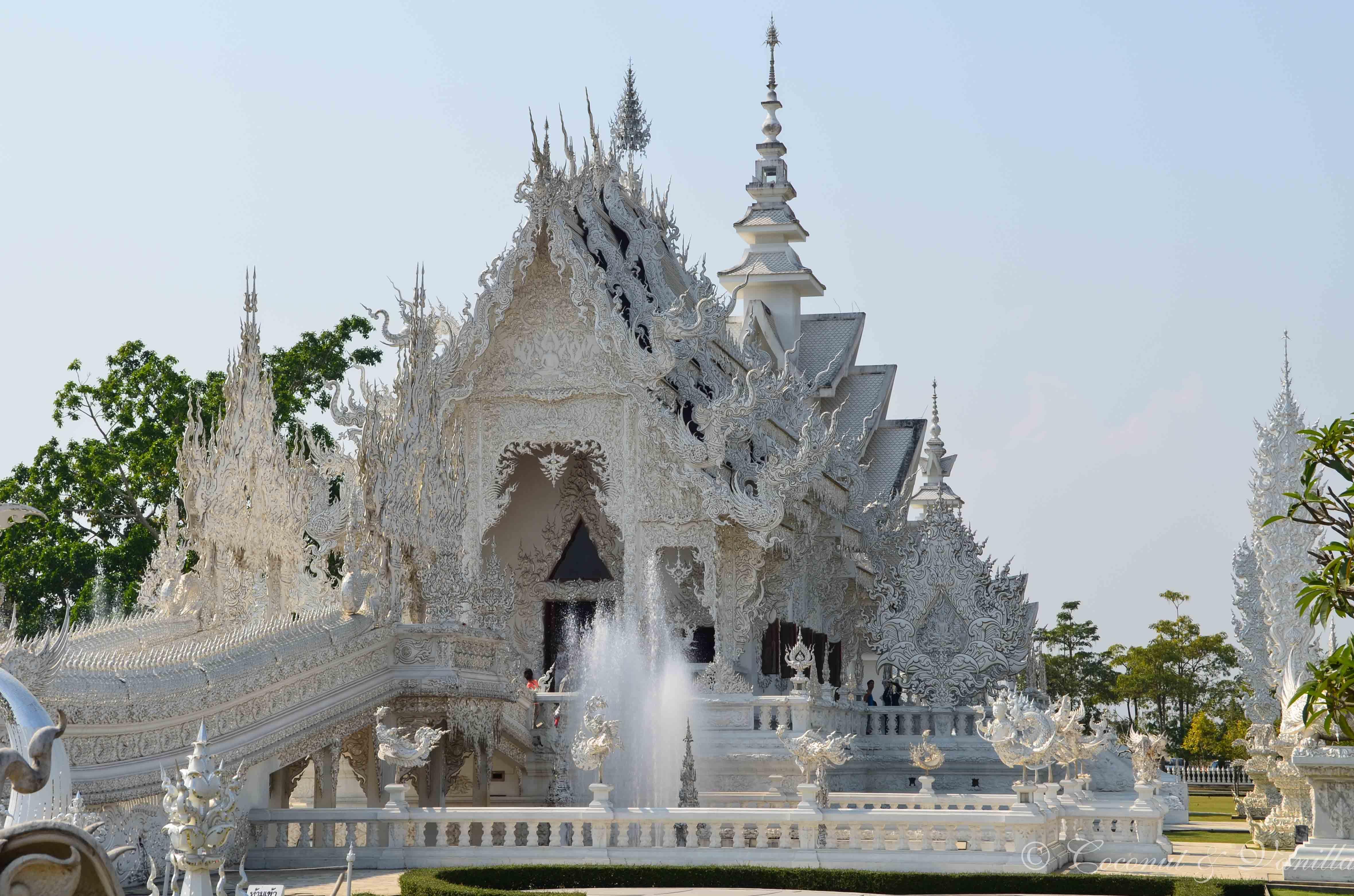 Chiang Rai Tempel Thailand by Coconut & Vanilla