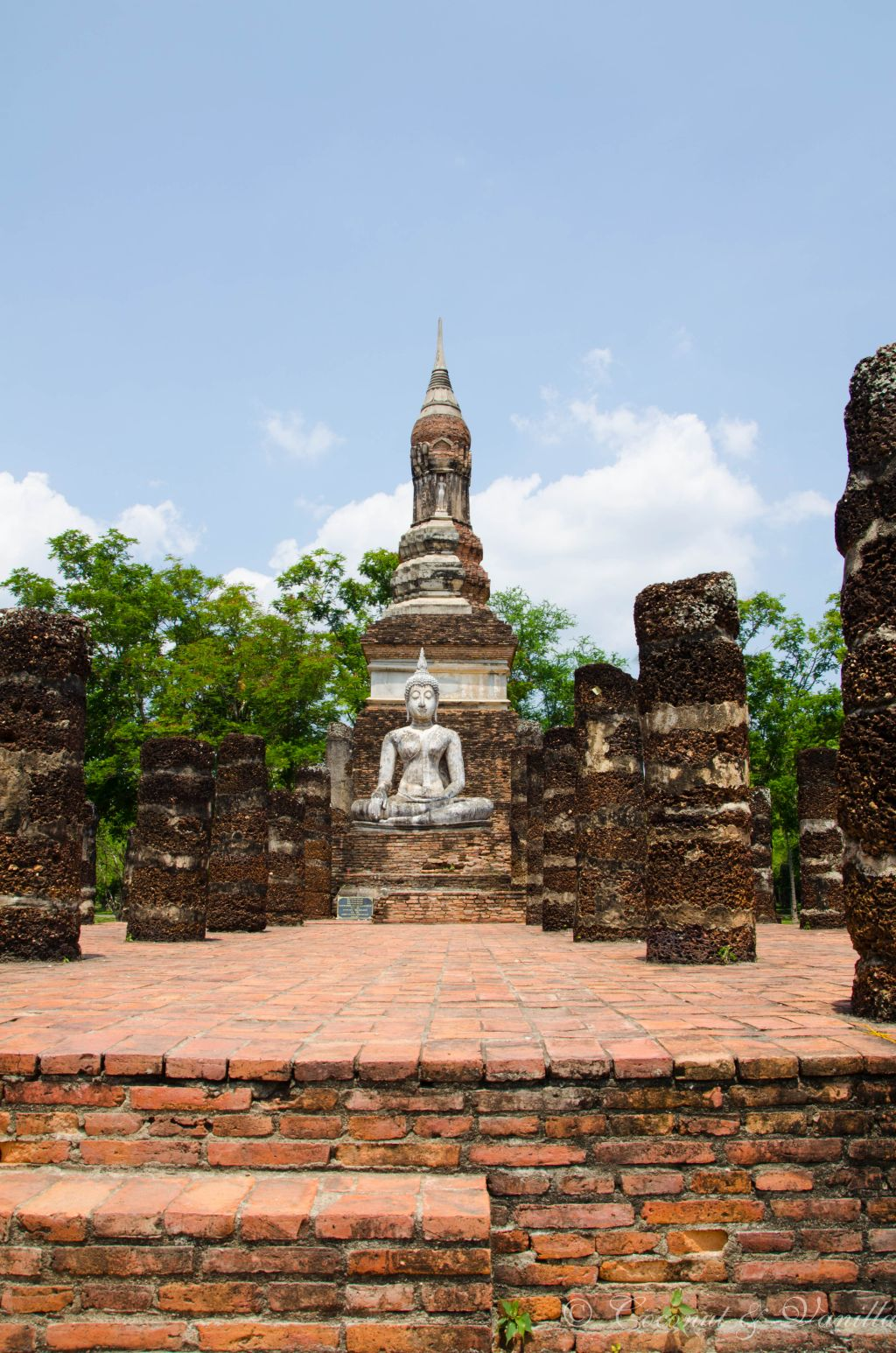 Buddha in Alt-Sukhothai by Coconut & Vanilla