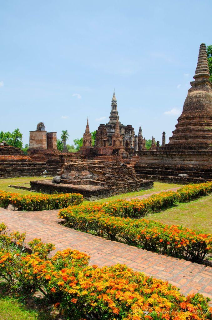 Tempelanlage in Alt-Sukhothai by Coconut & Vanilla