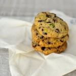 Chocolate Chip Cookies mit Pistazien, dunkler Schokolade und Rauchsalz