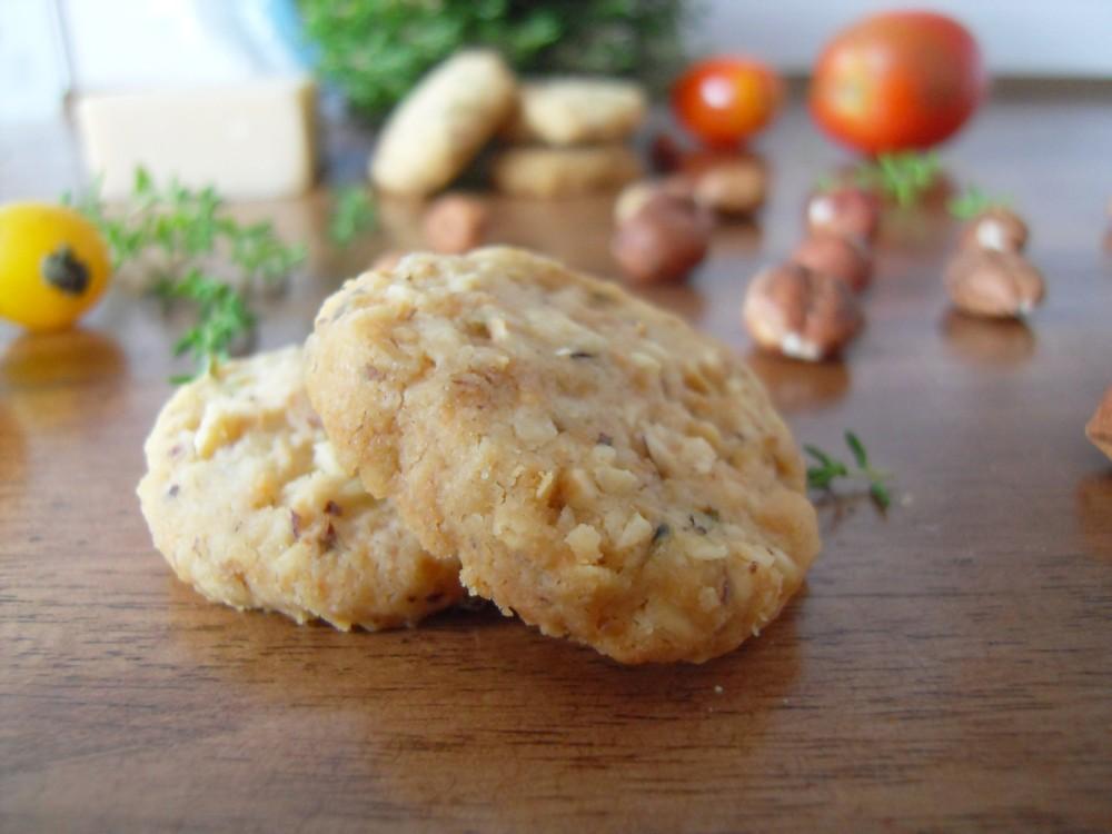 Thyme Hazelnut Cracker