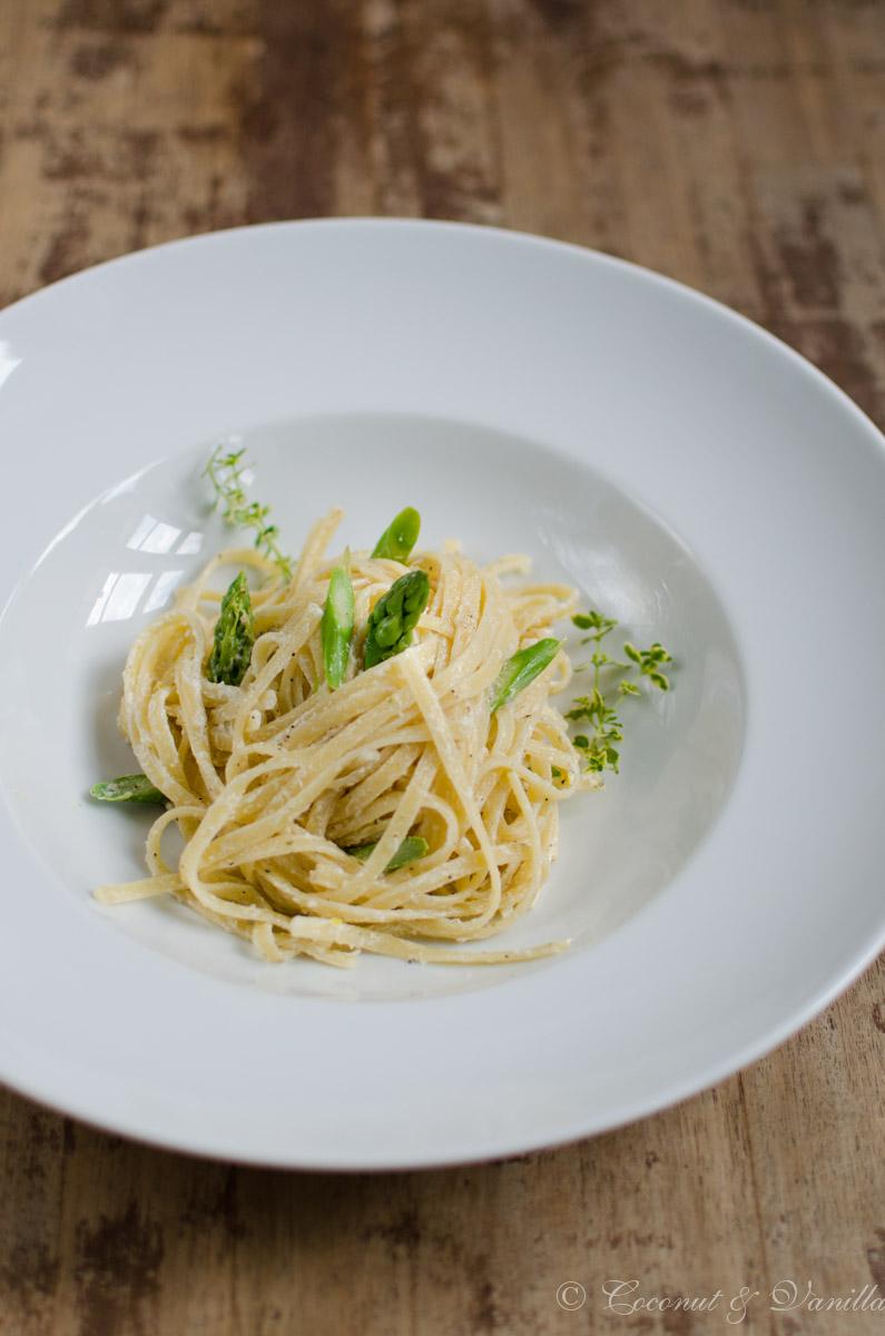 Schnelles Abendessen: Pasta mit grünem Spargel und Ziegenkäse