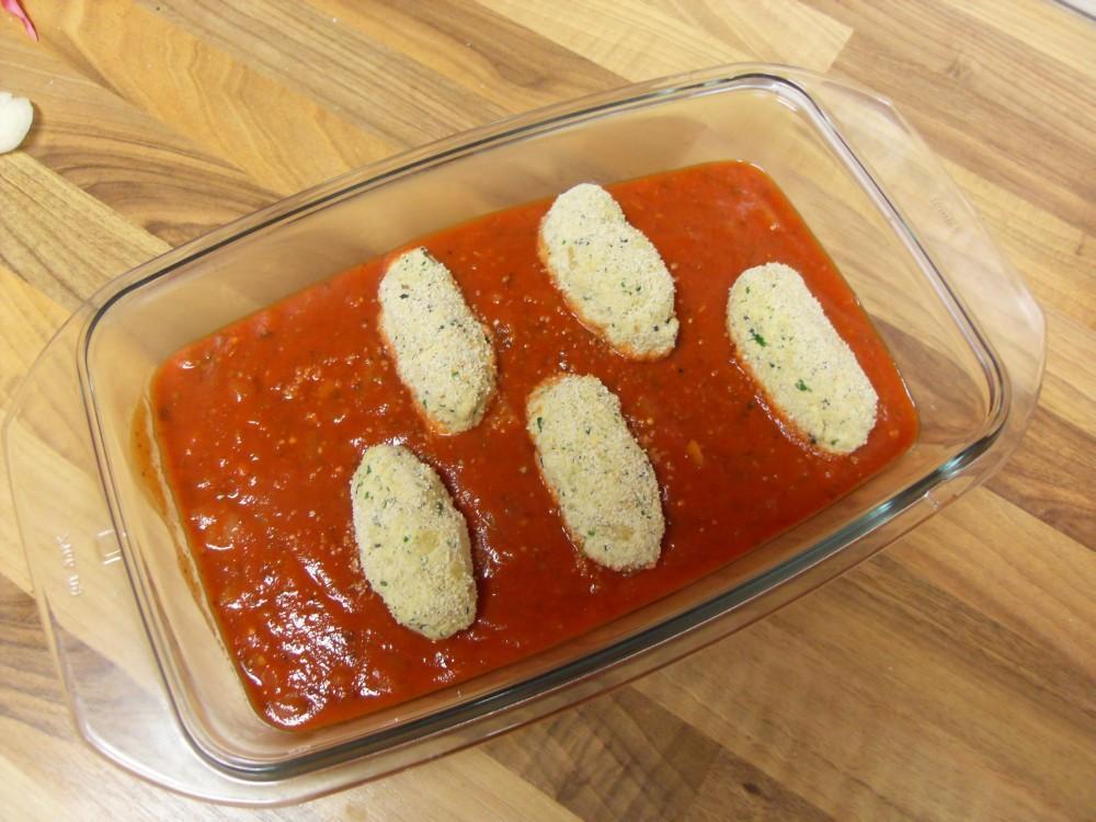 Überbackene Tofunocken mit Tomatensauce